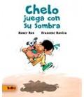 CHELO JUEGA CON SU SOMBRA